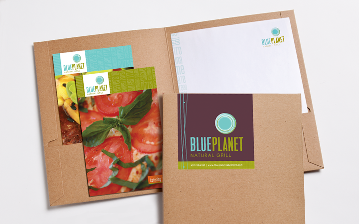 blue_planet_natural_food_grill_restaurant_3_pocket-folders